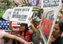 Filipino protesters
